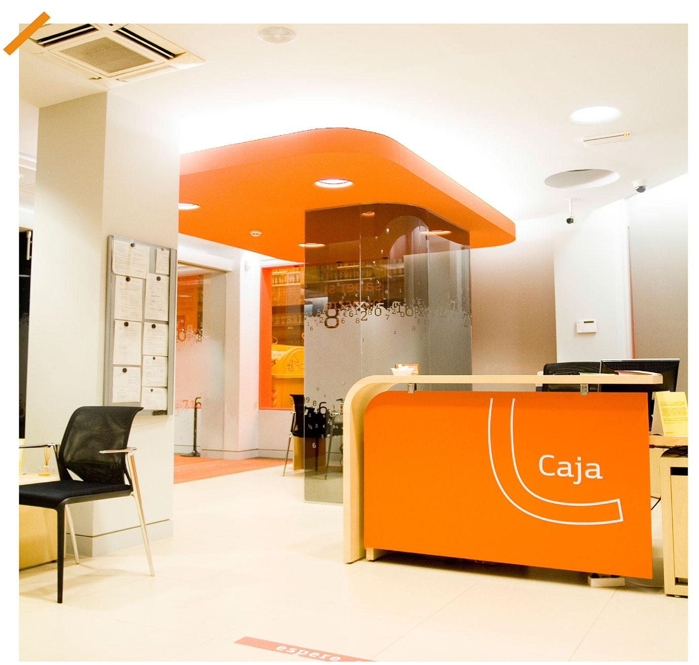 2009 vista interior de una oficina de bankinter tras el for Buscador oficinas bankinter